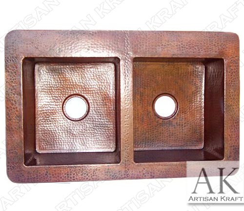 Double-Well-Farmhouse-Hammered-Copper-Sinka